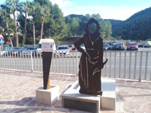 Inici de visites guiades seguint la ruta de les Escultures