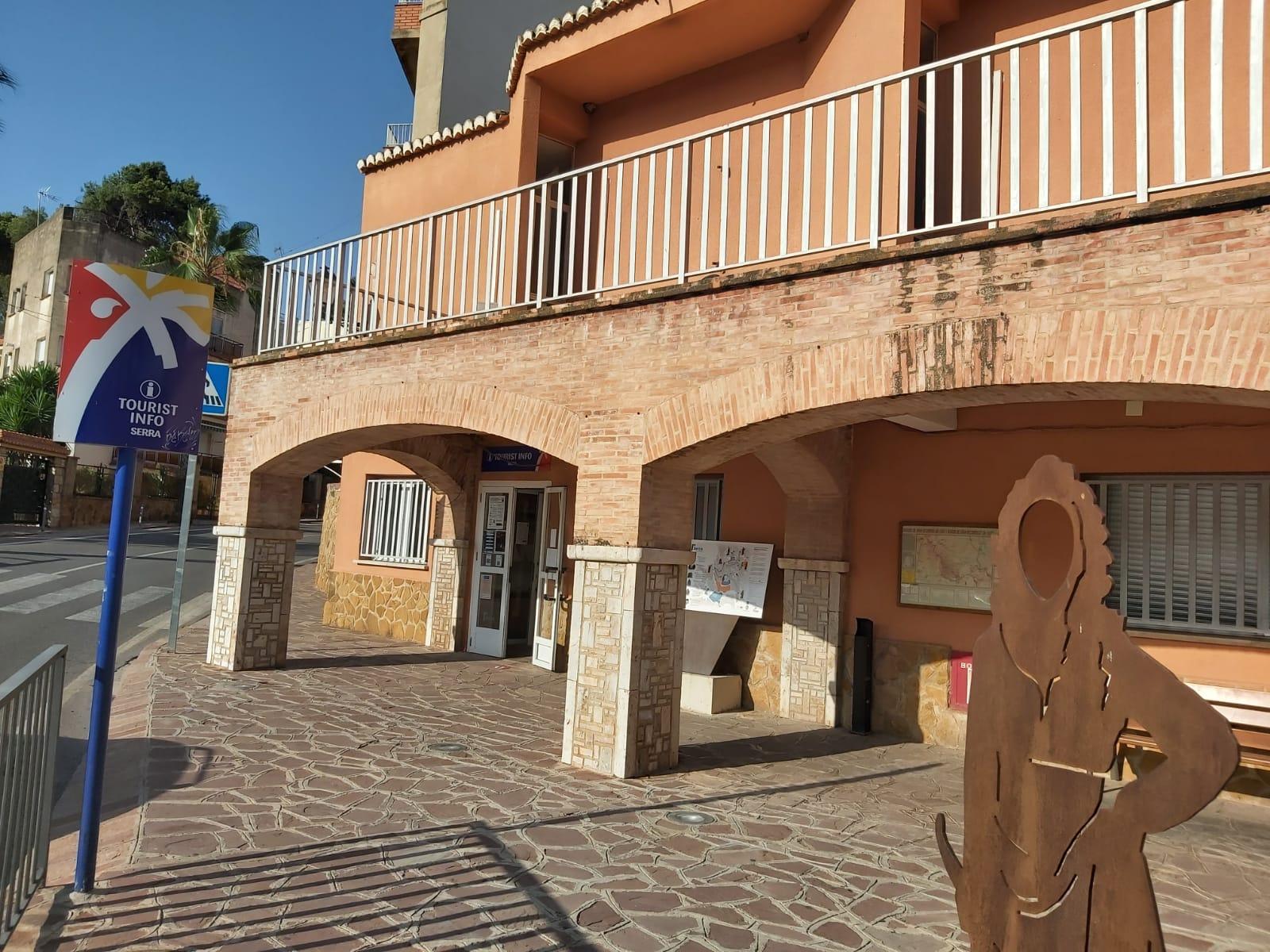 Serra renueva el convenio Tourist Info con la Generalitat Valenciana