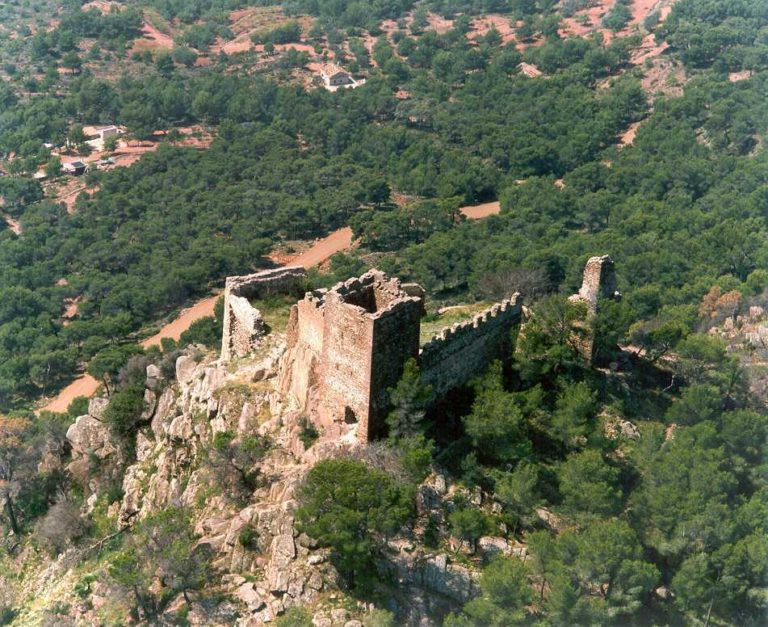 vistes castell de Serra